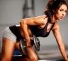 Упражнения на бицепс у девушки: описание тренировки
