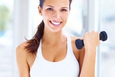 Женский бицепс – особая группа мышц, которую также нужно тщательно прорабатывать.