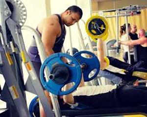 Прокачка бицепса на массу – комплекс, состоящий из составных и изолирующих упражнений.