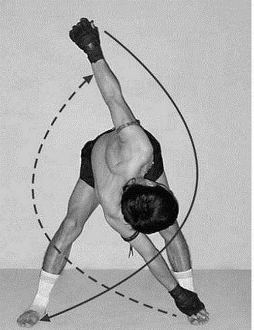 Упражнение «мельница». Хорошо помогает разогреть мышцы, что позволит не получить травму во время тренировки.