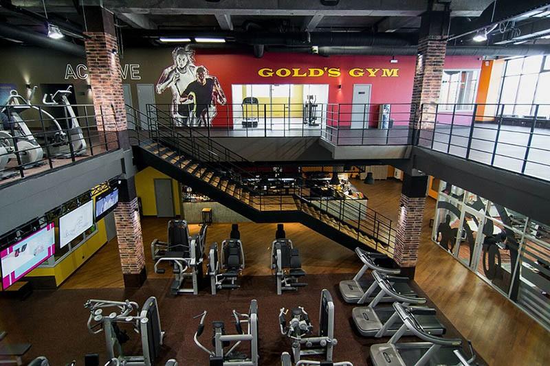 В россии gold's gym открылся в году в москве.